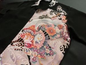 【正絹】伝統工芸京友禅黒留袖「波頭に鶴と花」 ※現品のMサイズ・半袖のみ (税抜き価格30,000円)ge-351